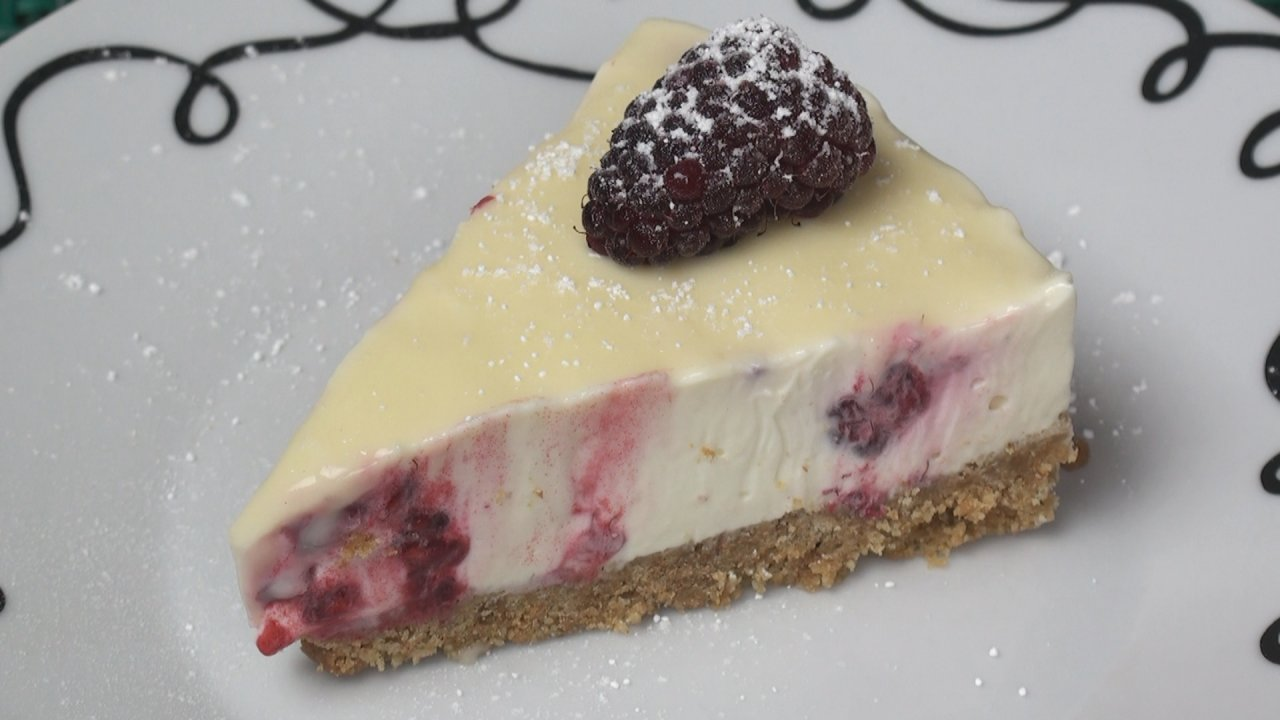 Cheesecake (Raspberry and White Chocolate)