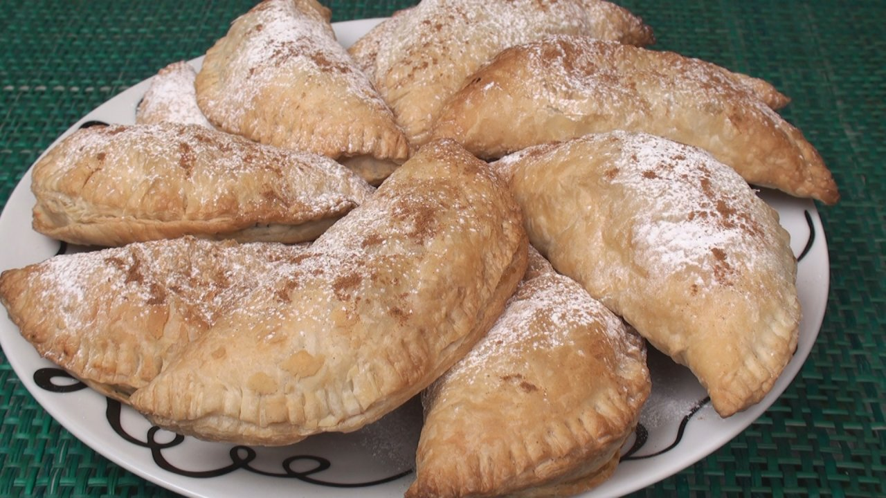 Empanadas (Banana and Chocolate)