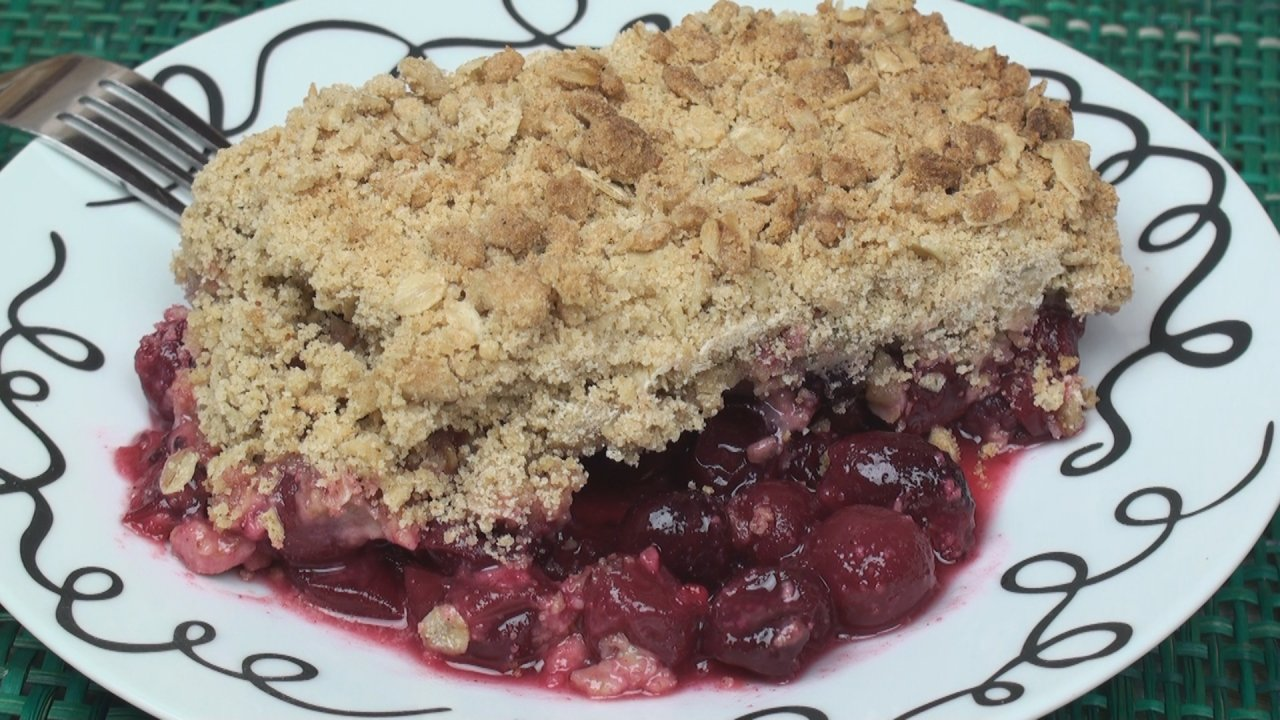 Gooseberry Crumble Recipe - Titli's Busy Kitchen