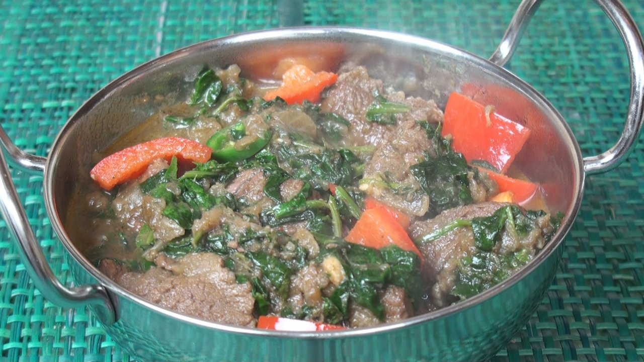 Sag Gosht (Lamb and Spinach Curry)