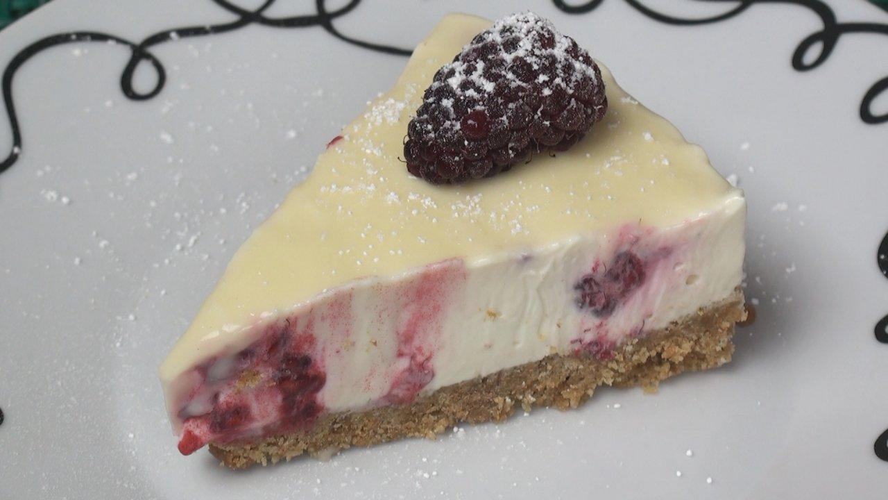 Cheesecake (Raspberry and White Chocolate)