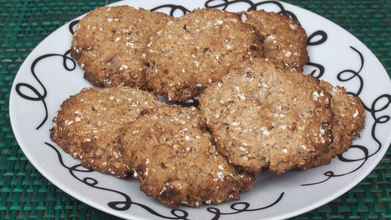 Honey Banana Oatmeal Cookies