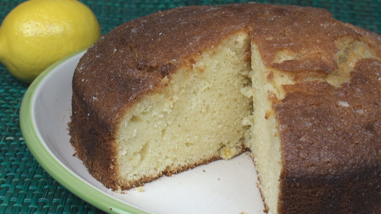 Lemony Lemon Drizzle Cake